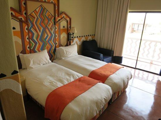 AVANI Victoria Falls Resort: Habitación doble