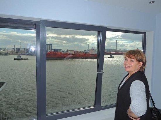 Delta Hotel Rotterdam: Blick aus dem sehr geräumigen frisch renovierten Zimmer