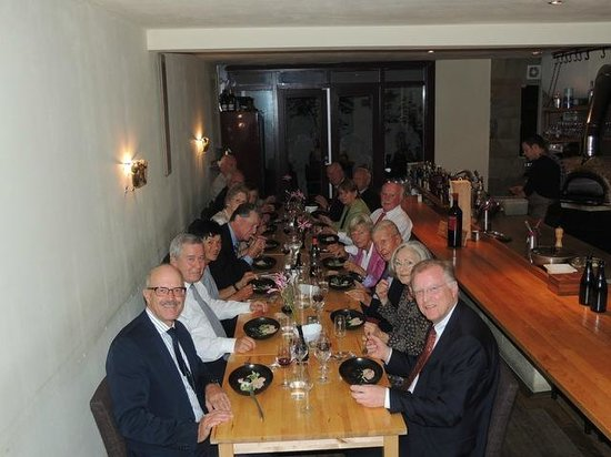 Restaurant Eendracht : Der grosse Esstisch für 16+ Personen direkt neben der Küche