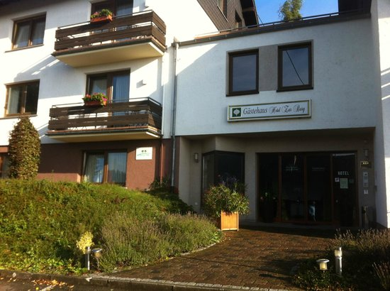 Hotel zur Burg: Entrance to newer rooms - reception was opposite in older part of hotel