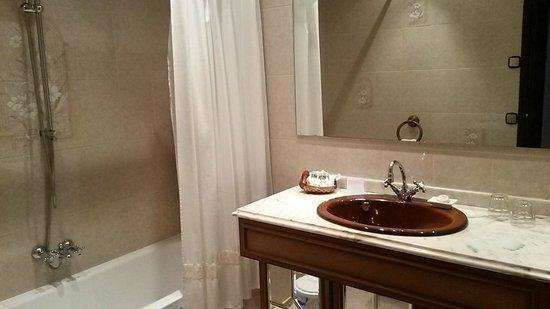 Petit Hotel Ses Rotges: Bathroom