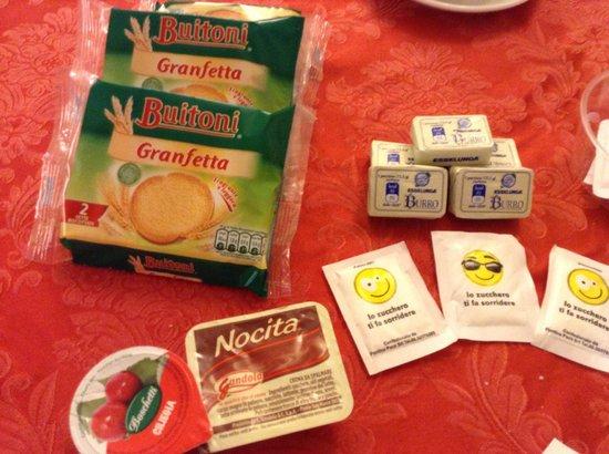 Hotel Palazzuolo: Cosas del desayuno