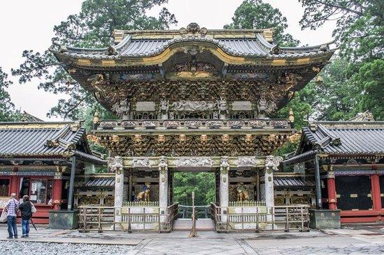 Nikko Tosho-gu: entrance