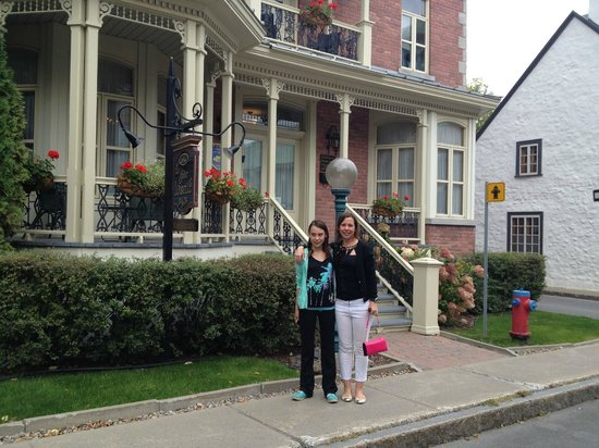 Gite Loiselle B&B : Outside the B&B
