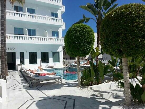 Hotel Es Vive: piscine