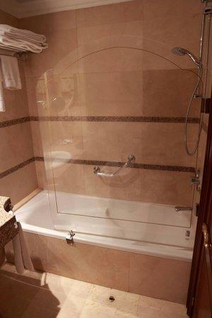 Hotel Rice Reyes Católicos: Bathroom