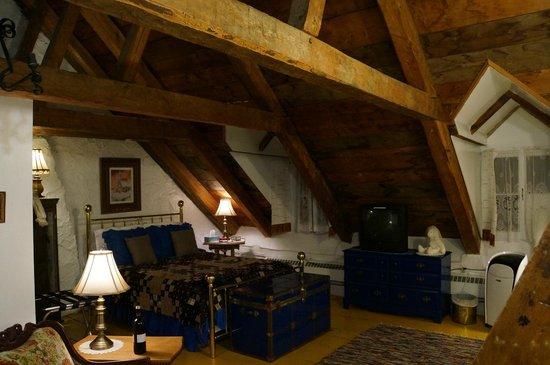 Le Vieux Presbytere: vue de la chambre principale