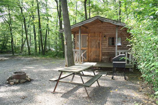Ringing Rocks Family Campground : Cabin Rentals