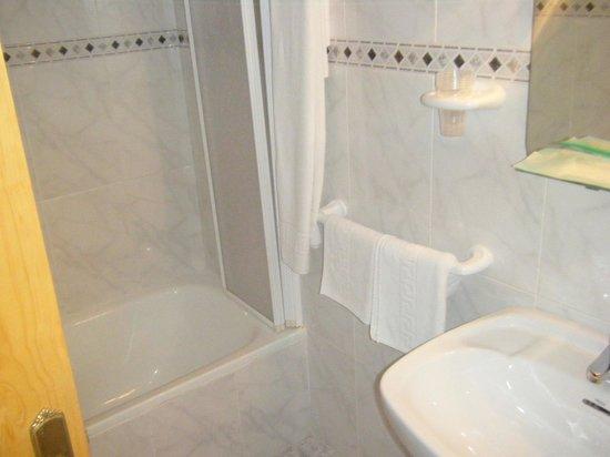 Hostal Rambla: Baño