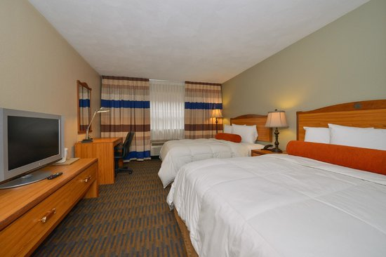 Lamplighter Inn & Suites North