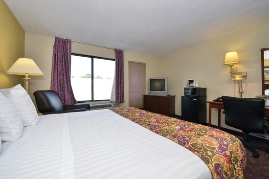 Lamplighter Inn & Suites South: Guest Room