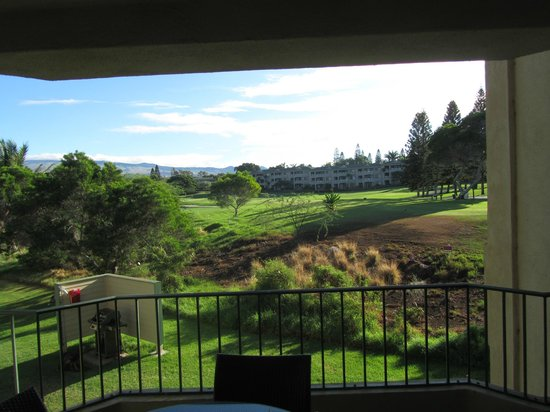 Paniolo Greens Resort: Golf course view from lanai and master bedroom