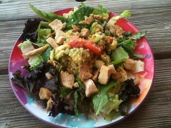 Angel Fish Cafe: quinoa chicken and avocado salad special