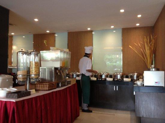 Adelphi Grande Sukhumvit by Compass Hospitality: Buffet