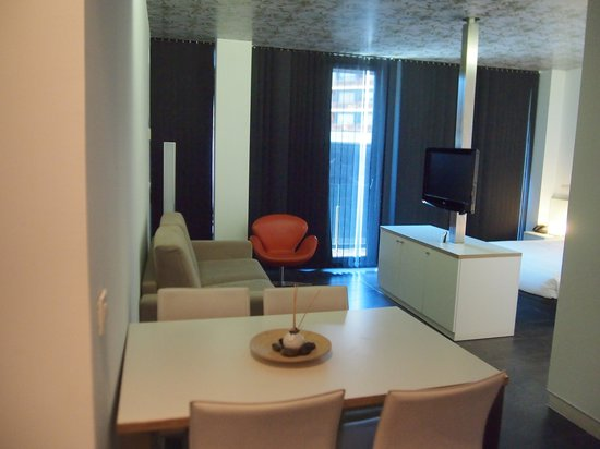 Cosmo Apartments Sants: 室内