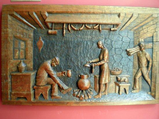 Hotel Peregrina: Cuadro tallado en madera de adorno