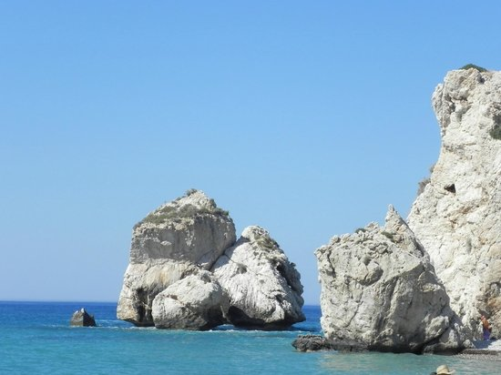 Aphrodite's Rock: Скалы