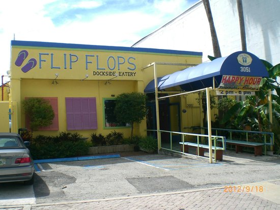 Flip Flops Dockside Eatery: If you drive, the parking garage is right across the street