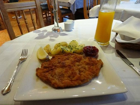 Bloberger Hof : Pork schnitzel