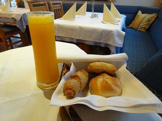 Bloberger Hof : Bread basket