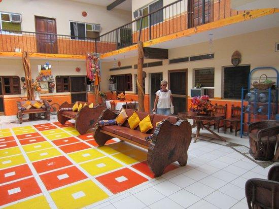 Hotel Tonala: Courtyard