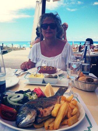 Bar Restaurante Tanga : Orata e polipo nel blu
