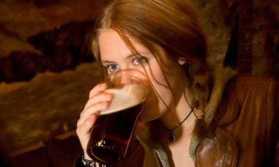 The Tankerton Arms: Enjoying a Pint !