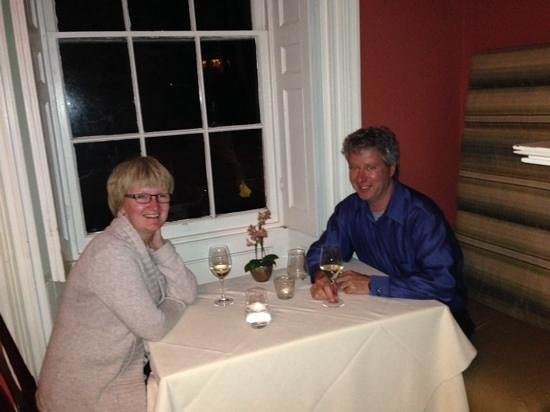 The Charles Hotel: Relaxing after dinner in The Charles Inn dining room