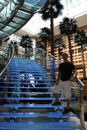 The Westin Bund Center Shanghai: Lobby & Restaurants Area
