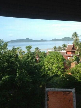 Banburee Resort & Spa : I can say a calm n tranquil area to stay in Samui.. our room balcony overlooking the hotel priva