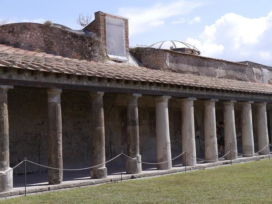 Hotel Sorrento City: The Public baths at Pompeii