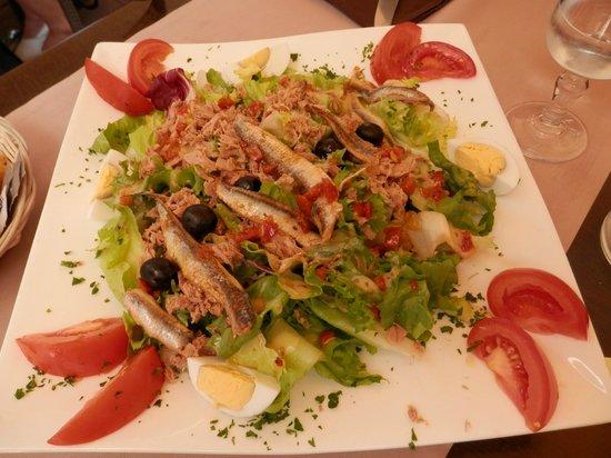 Hotel Restaurant La Fregate: Ensalada de anchoas...buenísima!!