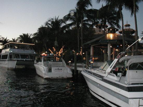 Lauderdale By The Sea Resort : at restaurant in Deerfield on water