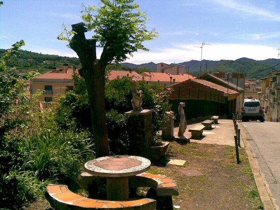 Hostal Sant Bernat : PARA TOMAR CAFE AL AIRE LIBRE