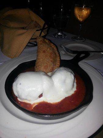 Marisa's Ristorante: meatball appetizer