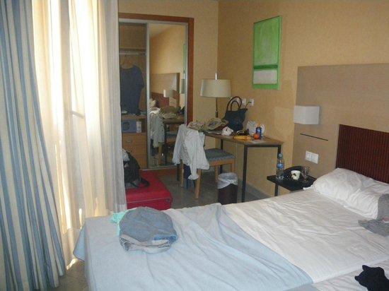 Hotel Gravina Cinco: heel kleine kamer