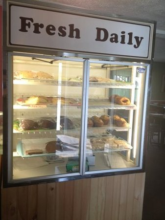 Keep's Corner Cafe & Bakery: Homemade pastries & donuts