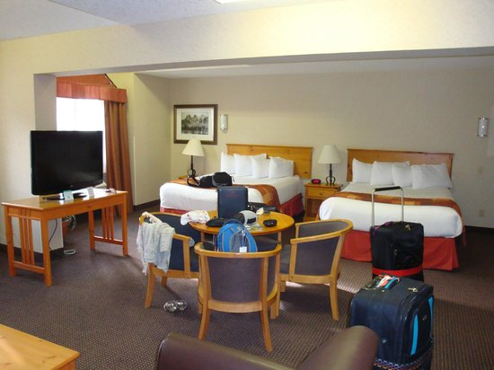 Ramada Canmore : 2 large beds