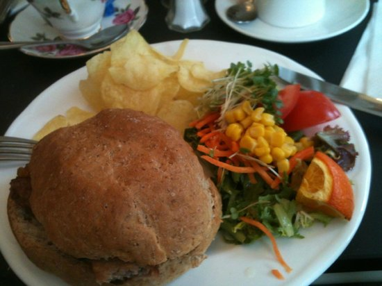 Baldry's Tea Room: Filled roll