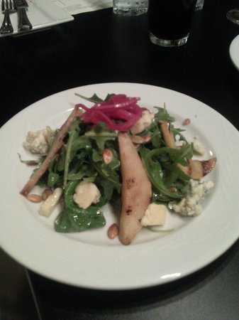 Blondie's Plate: Grilled Pear Salad - excellent flavors
