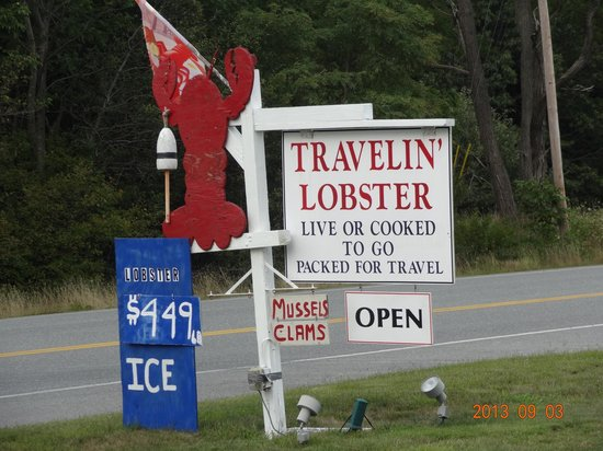 Travelin Lobster : on way into town
