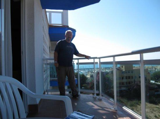Hotel Palmasol: My wrap around balcony