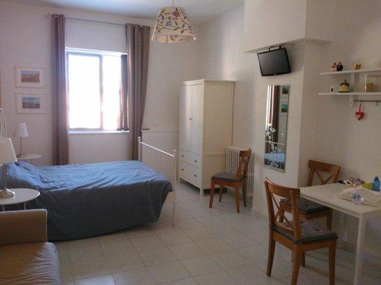 B&B Le Comari Salentine: spacious room sept13