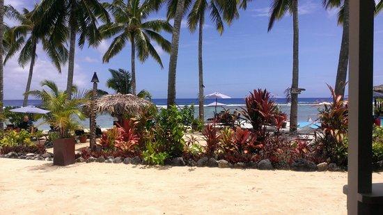 Manuia Beach Resort: Manuia Beach landscape