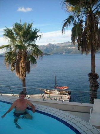 Lafodia Hotel & Resort: uniek concept van zwembad (op 2de etage)