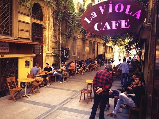 la viola cafe stanbul restoran yorumlar tripadvisor. Black Bedroom Furniture Sets. Home Design Ideas