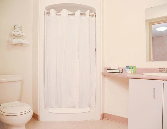 Residence & Conference Centres - Niagara on the Lake: Bathroom Ensuite