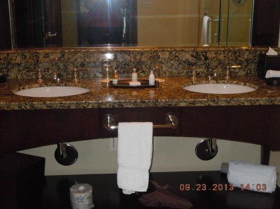 Ameristar Casino Resort Spa Black Hawk: Granite top Jack n Jill sink