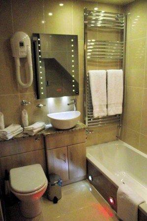 Colton House: Bathroom facilities