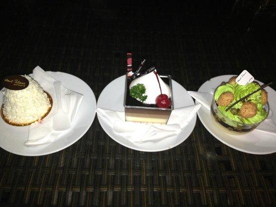 Waterside Resort Restaurant: desserts
